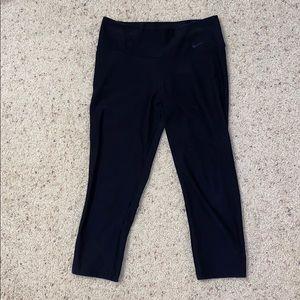 Black nike cropped leggings